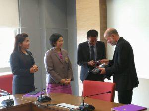 มิติใหม่....ของการศึกษานิติศาสตร์ มรส.ลงนามสัญญา Mou กับ Chicago-Kent College of Law